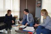 La directora general de Centros Educativos se reúne con el Alcalde para analizar las necesidades del municipio en infraestructuras educativas