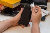 La facilidad de arreglar un móvil sin tener conocimientos según la web Repuesto Informático