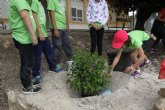 Los niños de Conectando Pedan�as simbolizan en El Berro la uni�n entre sus centros