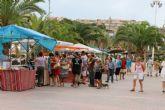 El mercado artesano de puerto de Mazarr�n inicia este s�bado la temporada de verano