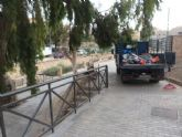 Realizan una limpieza integral de la zona del Arco de las Ollerías y Jardín de la Fuente de San Pedro