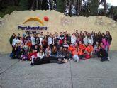 Un grupo de  62 jóvenes disfrutaron de un fin de semana en Port Aventura con la concejalía de Juventud