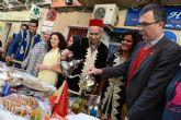 Miles de murcianos visitan la primera edición del mercado internacional Mixtura en el barrio de El Carmen