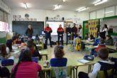 Los 3.000 alumnos de los colegios del municipio reciben esta semana charlas de los bomberos de Murcia para prevenir incendios