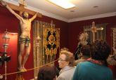 La Casa de los Duendes acoge una exposición que muestra el patrimonio de la Semana Santa Lumbrerense