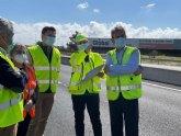 Fomento aplica un aglomerado en frío sostenible  y resistente en la renovación del firme de la autovía del Mar Menor