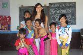 La estilista Carmen Martínez lleva su proyecto 'tijeras solidarias' a Bali