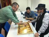 32 jugadores están participando en el 'I Torneo de Senas Alfonso X' que pretende recuperar la práctica de este juego típico lorquino