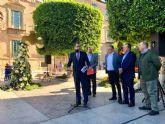 Las Fiestas de Primavera celebran los 40 años del trasvase con 750 kilos de hortalizas murcianas en la plaza de La Merced
