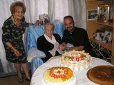La vecina Ana María Muñoz Andreo celebró su centenario acompañada de familiares y amigos