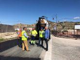 Fomento concluye el viernes la mejora del firme de la carretera que une las pedanías molinenses de El Rellano y La Hurona