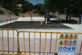 Entra en su última fase de ejecución la construcción de la nueva área de juegos infantiles en la urbanización La Charca