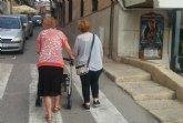La Comunidad Autónoma ofrece ayudas de hasta 3.000 euros para gafas, audífonos y tratamiento bucodental de personas mayores