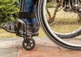 El IMAS destina ayudas para personas con discapacidad, dirigidas a tratamiento bucodental y audífonos, camas eléctricas y gafas