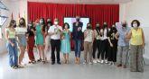 La alcaldesa de Archena presenta el libro 'Cartas al amor', escrito por los alumnos del IES Vicente Medina, para fomentar la formación en valores, la igualdad de oportunidades y el respeto a la diversidad