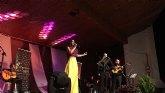 Numerosas personas asistieron en Totana al concierto de Nuria Fergó y Alma llanera a beneficio de D´Genes
