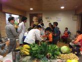 Más de 3.000 alumnos aprenden a comprar, cocinar y comer en el taller del Aula de la Salud, los Sentidos y la Sostenibilidad de la Plaza de Abastos de Verónicas