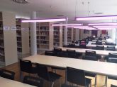 Reuni�n para organizar la creaci�n del club de lectura de la biblioteca municipal