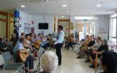 El Coro y Rondalla del Hogar de las Personas Mayores visita a los usuarios del Servicio de Estancias Diurnas