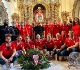 El Club Ol�mpico de Totana Veteranos realiza una ofrenda floral a Santa Eulalia