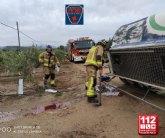 Vuelca un camión cisterna de mercancías peligrosas en Moratalla