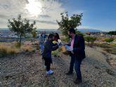 Más de 100 personas participan en el Proyecto Libera de recogida de basura en los parajes naturales de Alcantarilla