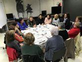 La escritora Lola Guitiérrez visita el Club de Lectura para Mayores