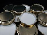 La murciana Bemasa Caps presenta su nueva línea de producción de tapas Caps Twist PVC Free