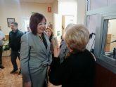 La vicepresidenta Isabel Franco visita el centro social de La Unión que atiende a 3.200 personas mayores