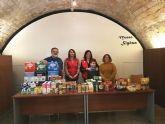 Los Voluntarios de Siyâsa entregan a Cruz Roja Juventud de Cieza 250 Kg de alimentos