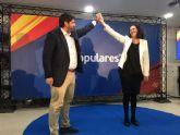 López Miras presenta a Juana María Martínez como 'una gran alcaldesa que supondrá la renovación necesaria en Fuente Álamo'