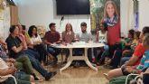 Mariola Guevara se re�ne con representantes de la AAVV Virgen del Rosario
