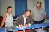 Vecinos de Alguazas registran en el ayuntamiento el manifiesto del pueblo contra la inseguridad