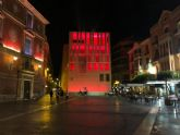 El Ayuntamiento se suma a las reivindicaciones del sector cultural y de eventos iluminando de rojo el edificio anexo
