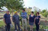 El voluntariado municipal llega a los huertos escolares