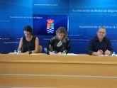 El Ayuntamiento de Molina de Segura y APAMOL firman un convenio para la rehabilitación no farmacológica de personas afectadas por la enfermedad de Parkinson