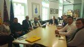 El alcalde recibe a la nueva junta directiva de la asociación de empresarios de La Unión