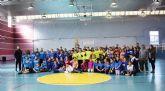 Más de un centenar de alumnos participa en la fase local de las pruebas 'jugando al atletismo' de deporte escolar