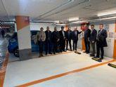 Los vehículos eléctricos ya pueden estacionar una hora gratis en 3.400 plazas de 12 aparcamientos de la ciudad