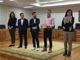 Electricistas, albañiles, 20 jóvenes reciben su certificado de profesionalidad
