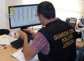 La Guardia Civil detiene en Sevilla a dos menores por chantajear a una chica con difundir archivos de contenido sexual