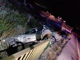 Rescatada y trasladada al hospital la conductora de un turismo accidentado en la carretera N-340A, en Alhama de Murcia