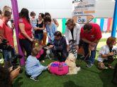 La Comunidad extiende el programa de acompañamiento con perros para mejorar la recuperación de los niños hospitalizados