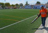 La Concejalía de Salud y Deporte afronta las labores anuales de mantenimiento del campo de fútbol 7