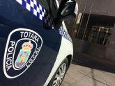 Agentes de la Policía Local de Totana recuperan el pasado fin de semana un vehículo robado en una empresa local