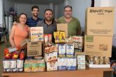 UxA reparte alimentos todos los meses a vecinos de Alguazas