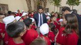 López Miras recibe a los niños y profesionales participantes en las ´XXX Jornadas de Formación en Hemofilia´