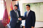 El presidente Fernando López Miras se reúne con el alcalde de San Javier
