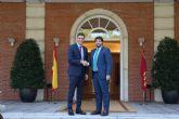 López Miras propone a Pedro Sánchez abordar la devolución de competencias educativas si así acaba el adoctrinamiento en las aulas de Cataluña