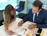 Laura de la Cierva visita Torre-Pacheco para conocer la relación de su familia con el municipio